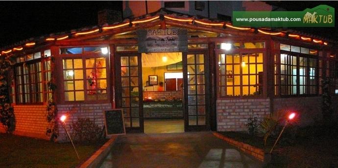Salão de café na véspera de Natal